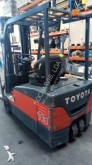 Toyota sit-on pallet truck
