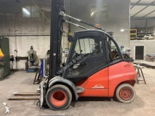 Linde sit-on pallet truck