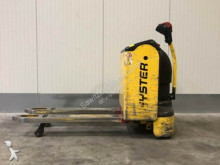 Hyster P2.2 pallet truck