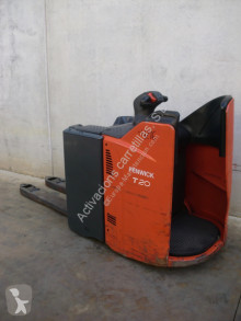 Linde stand-on pallet truck