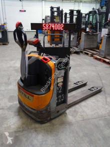 Still EXU20 pallet truck