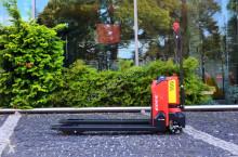 used pedestrian pallet truck