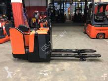 transpallet BT LPE 240 // 2.407 Std. / 1.550 mm lange Gabeln