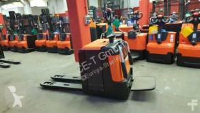 wózek paletowy BT LPE 240/M // 3051 Bstd. / 2.4T Tragkraft / Plattform / 1150 mm lange Gabelzinken