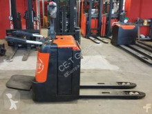 pallet truck BT LPE 240/S // 4.573 Std / 2.4T Tragkraft / 1.150 mm lange Gabeln