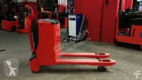 Linde T18 // 3.267Std / integriertes Ladegerät pallet truck