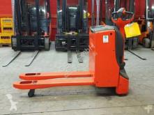 Linde T20 // 898 Std / 2.0T Tragkraft / Ladegerät integriert / 1.150 mm lange Gabeln pallet truck