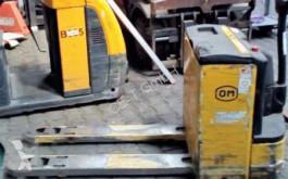 OM pallet truck