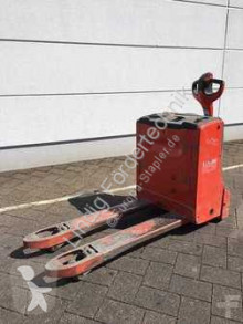 View images Linde T20 pallet truck