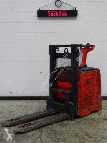 Linde L12L stacker