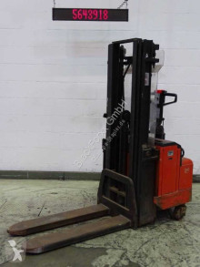 BT LSV1250-8/12 stacker