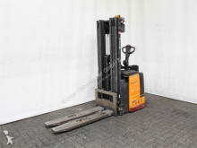 Still EGV-S 20 LB stacker
