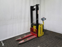 Hyster S 1.2-32 stacker