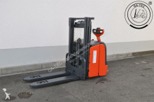 Linde L14 i stacker