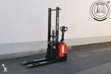 BT SWE120 stacker