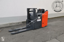 Linde L12L SP stacker