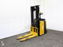 Yale MS 12 X-4328 stacker