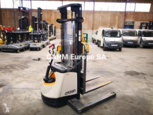 Crown SX 3000 stacker