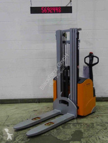 Still egv14/batt.neu stacker