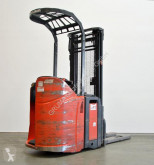 Linde stand-on stacker