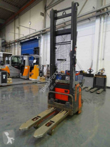 Linde L14AP stacker