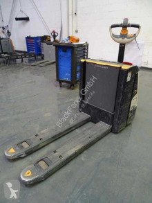 Crown wp3080 stacker
