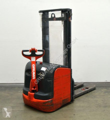 Linde stacker