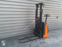 Rocla SW12 stacker