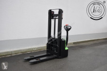 Hangcha CDD10 - AMC stacker