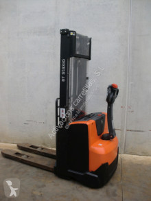 BT SWE 100 stacker
