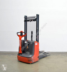 Linde L 10/1172 stacker