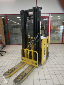 Yale MS15X stacker