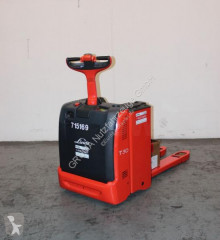 Linde T 30/131 stacker