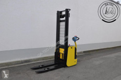 Hyster S1.2-38 stacker