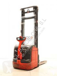 Linde L 14 / 372 stacker
