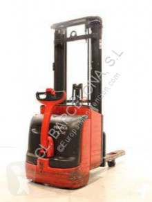 Linde L-14 / 372 stacker