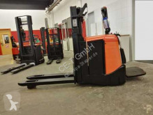 stacker BT SPE 200 D// 2996 Std / HH 1850 mm