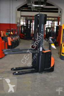 stacker BT SWE 140 L // 2.219 Std. / HH 4.550 mm / FH 1.630 mm / Initialhub / Triplex