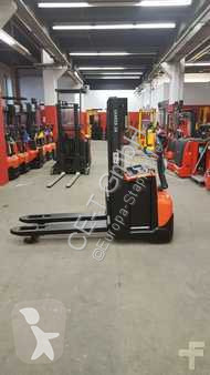 BT SWE 200 D // 2.702 Std / Initialhub / HH 2100 mm stacker