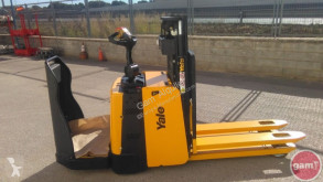 Yale MP20XD-1650 stacker