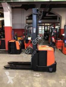 İstifleme makinesi BT SPE 160 // 885 Std. / HH 5.400 mm / FH 1.800 mm / Triplex / guter Zustand