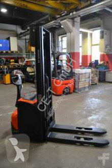 stacker BT SWE 120 / 1.867 Std. / HH 3.300 mm / FH 1.780 mm / Duplex