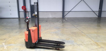 BT Toyota SWE080L stacker