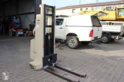stohovač Crown Crown 1.0 EMT Hochhubwagen mit Freihub 1000Kg Traglast