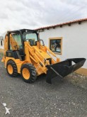 mini-retroescavadora JCB