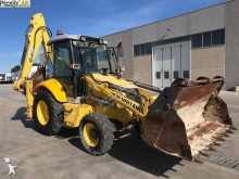 buldoexcavator articulat New Holland