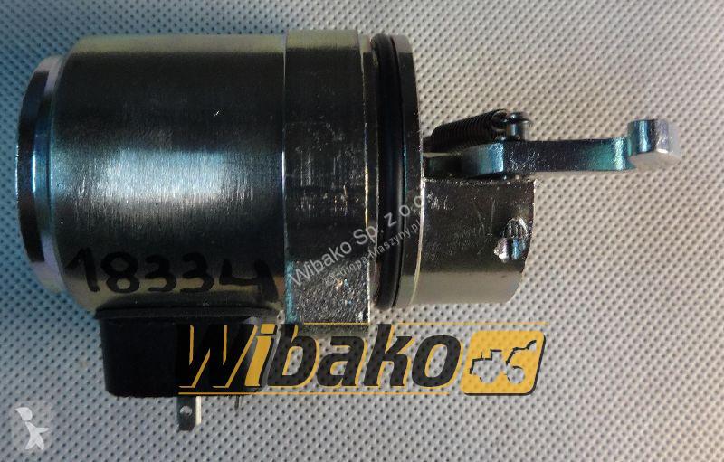 Vedeţi fotografiile Buldoexcavator Deutz Shutdown device Deutz 04272734
