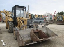 Voir les photos Tractopelle Ford 655