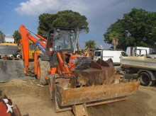 Voir les photos Tractopelle Fiat-Hitachi FT800