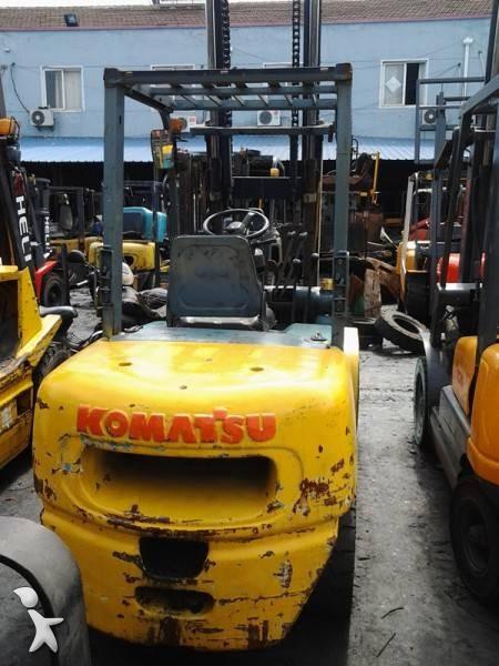 Komatsu FD30 order picker